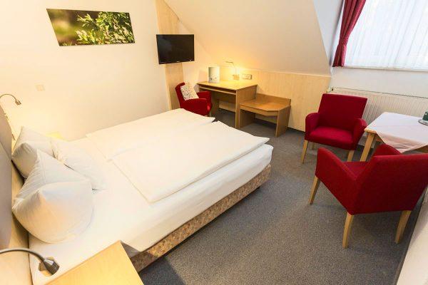 Doppel-Zimmer-Bett
